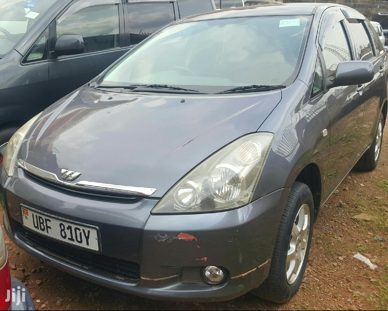 Toyota Wish 2004 Gray