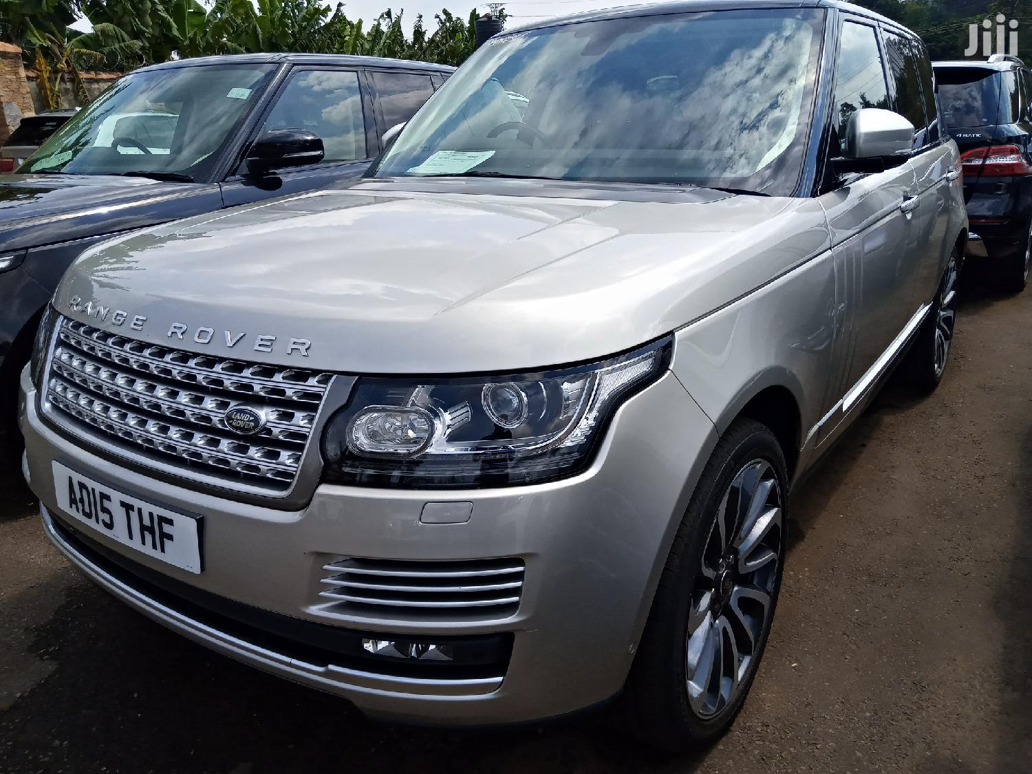 Archive: New Land Rover Range Rover Vogue 2015 Gray