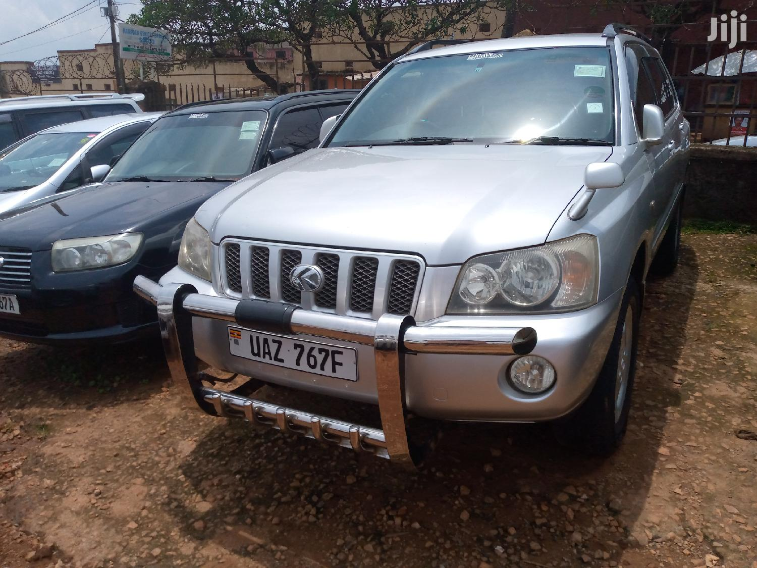 Archive: Toyota Kluger 2003 Silver
