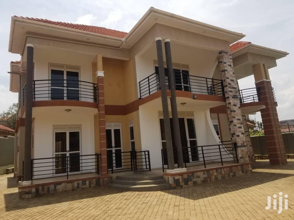 Archive: 5 Bedroom Classic Residential House For Sale In Najjera