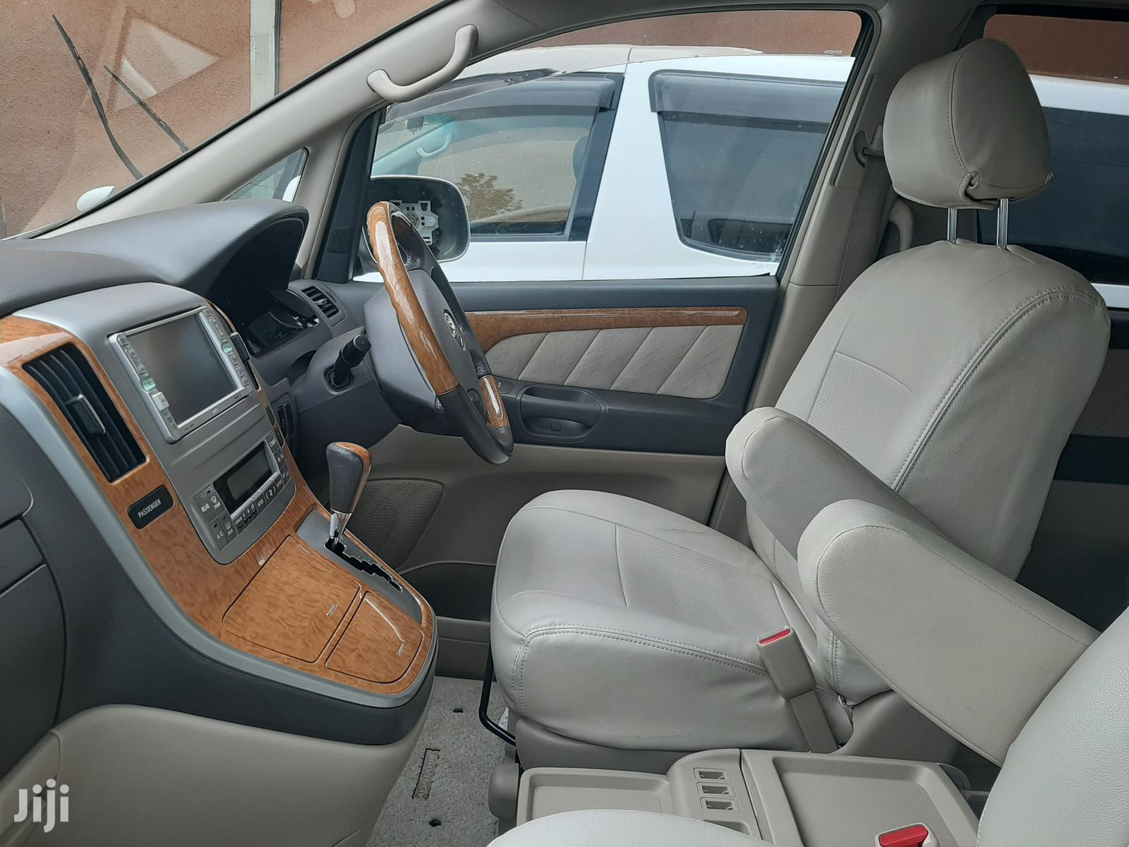 Archive: Toyota Alphard 2007 Silver