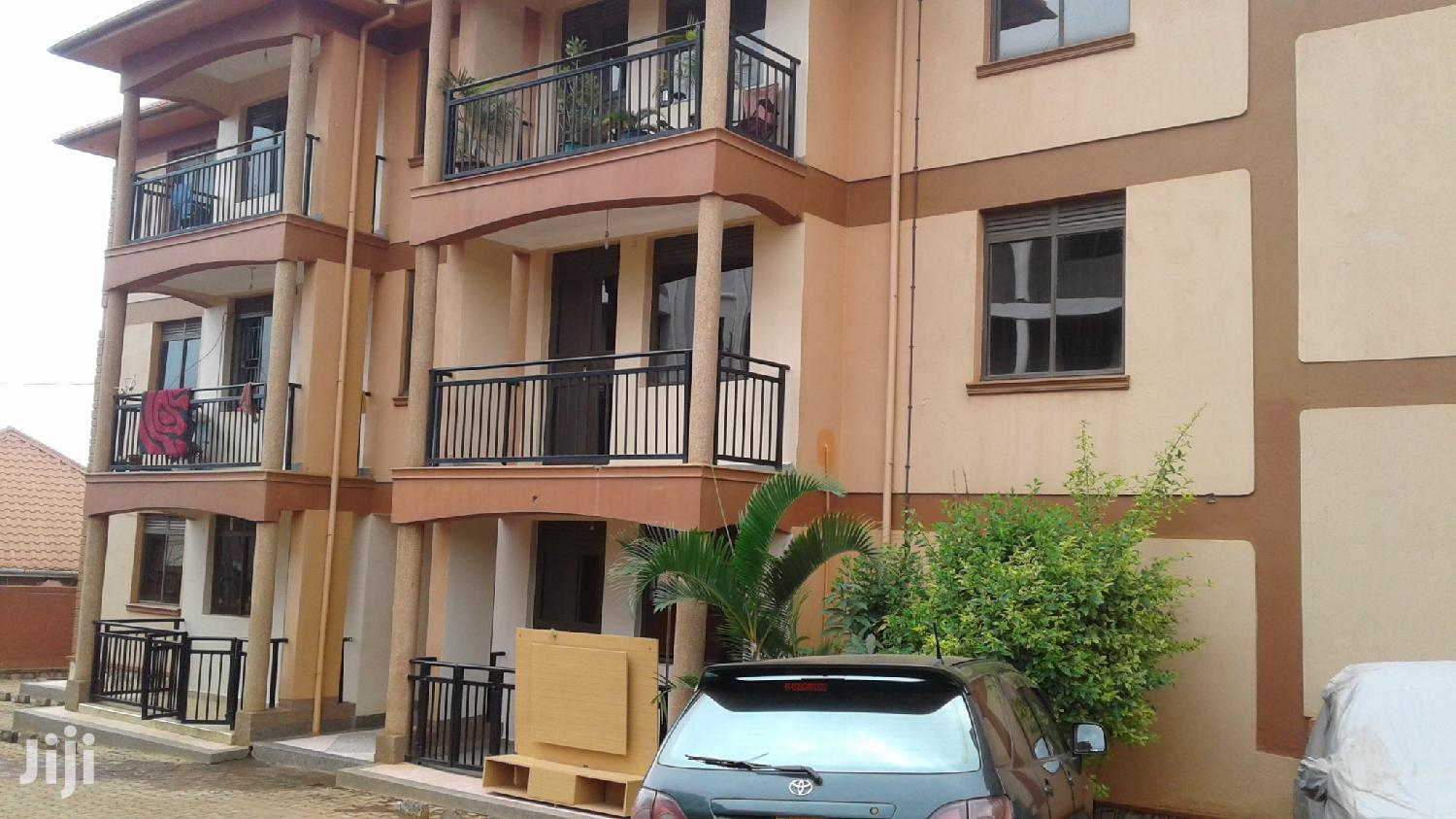 Kansanga Clean 3 Bedroom Apartment For Rent