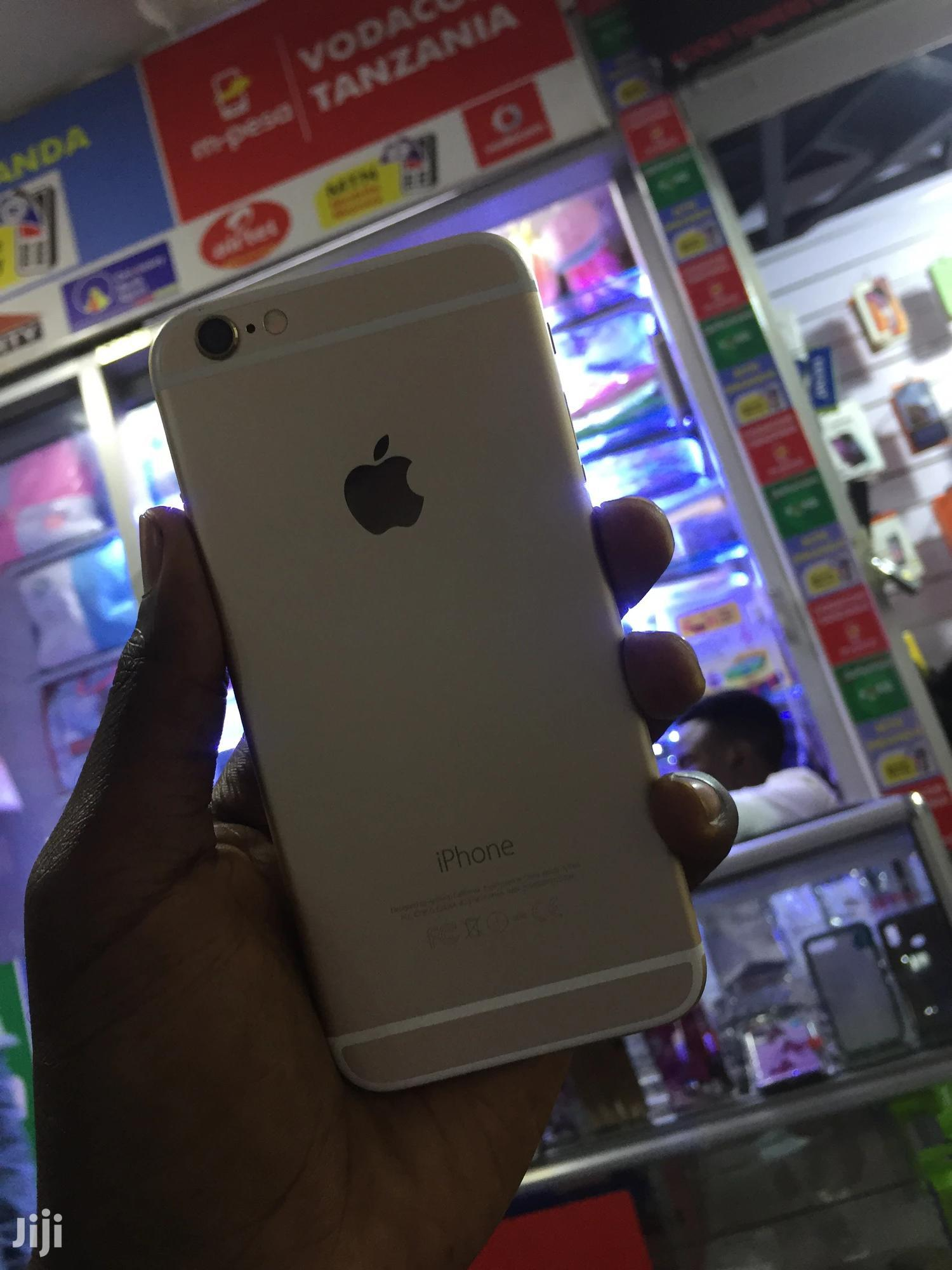 Archive: Apple iPhone 6 64 GB Gold