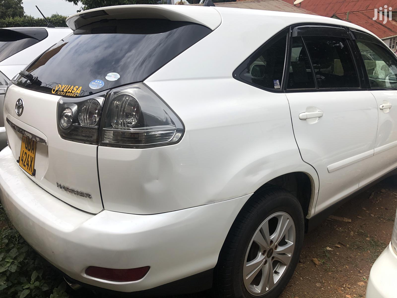 Toyota Harrier 2004 White | Cars for sale in Kampala, Central Region, Uganda