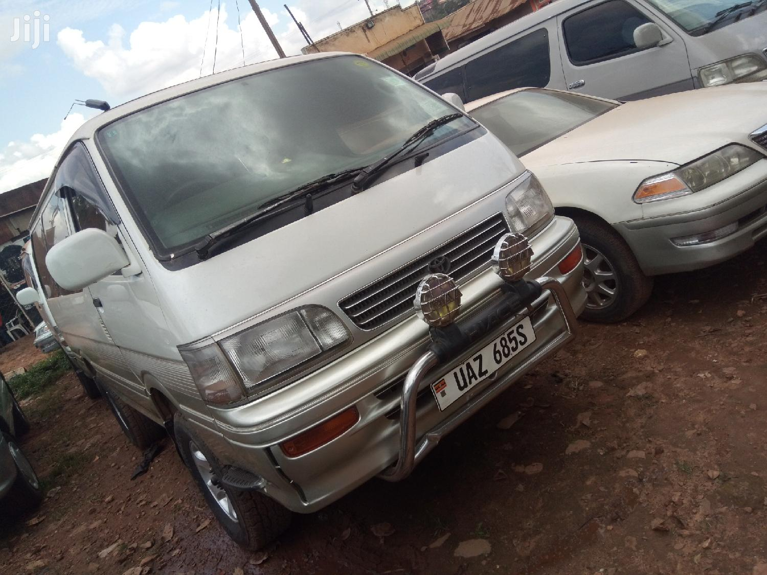 Toyota Hiace 1987 White For Sale