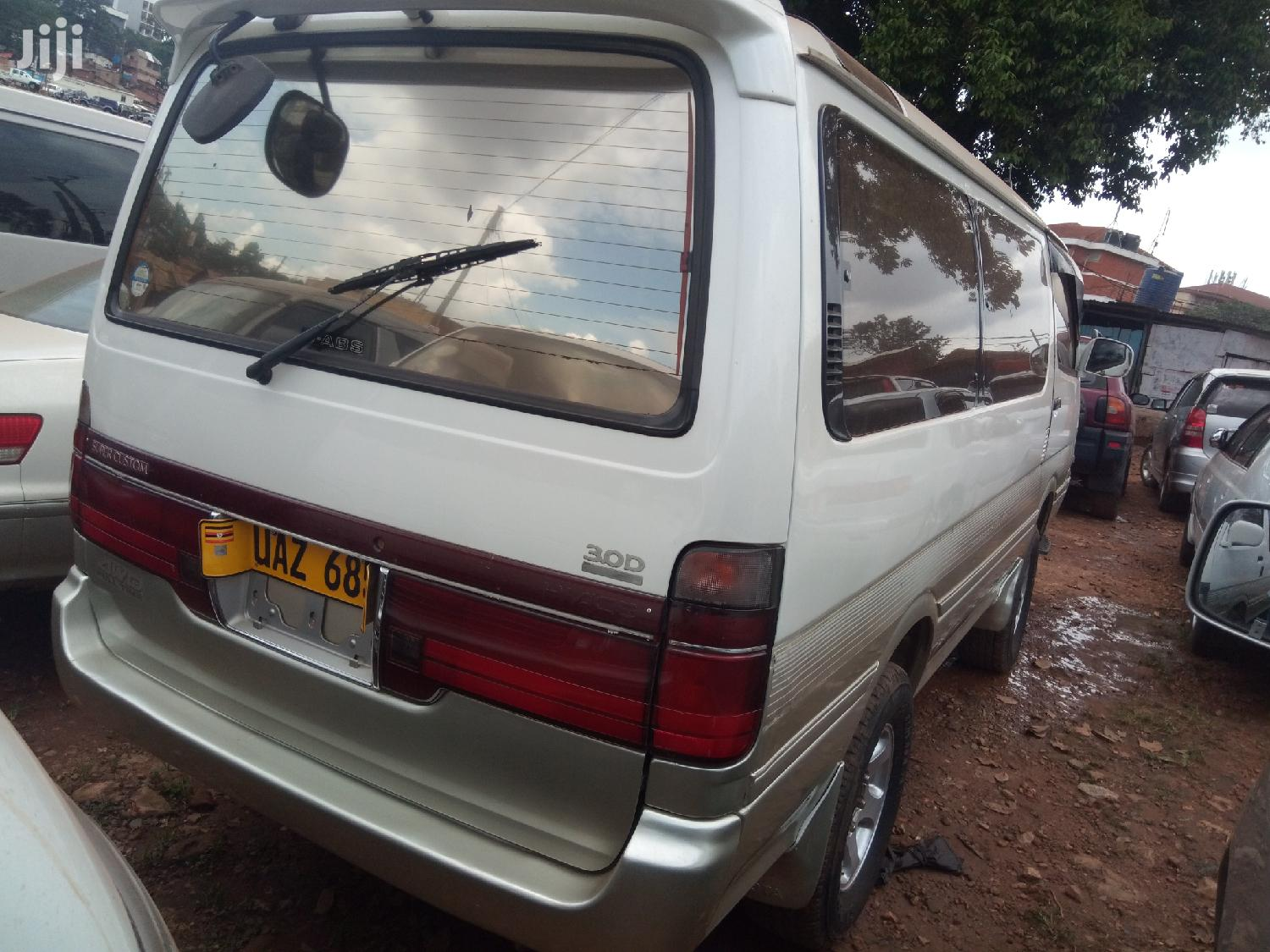 Toyota Hiace 1987 White For Sale | Buses & Microbuses for sale in Kampala, Central Region, Uganda
