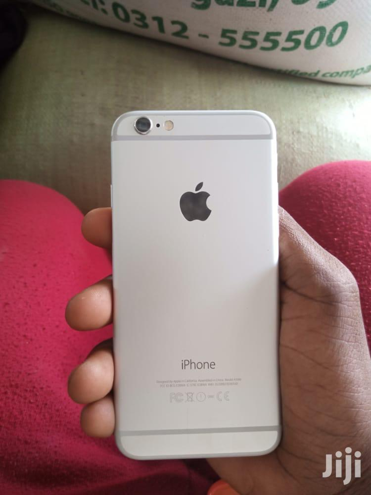 Archive: Apple iPhone 6 64 GB Silver