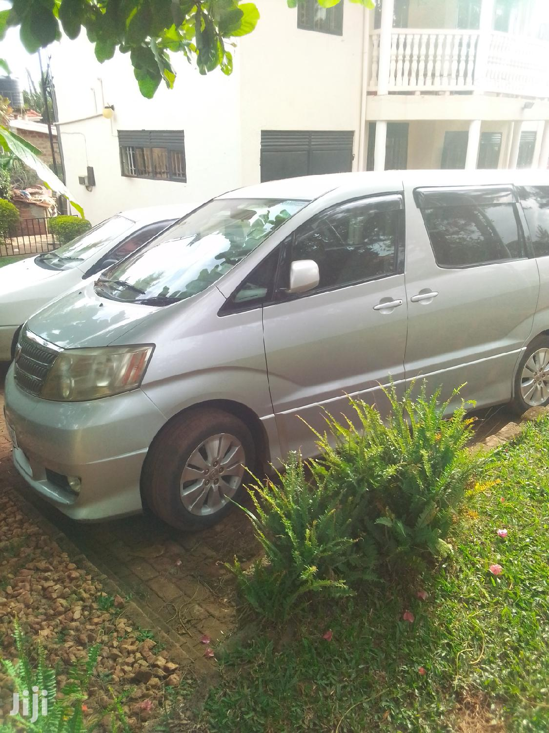 Archive: Toyota Alphard 2003 Silver