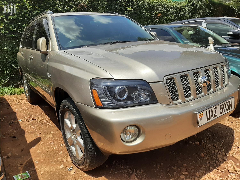 Toyota Kluger 2004 Gold   Cars for sale in Kampala, Central Region, Uganda