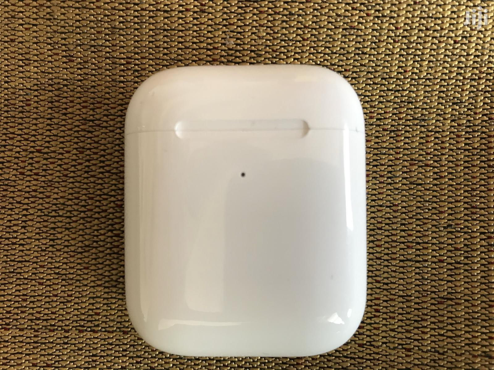 Archive: Original Apple Airpods 2