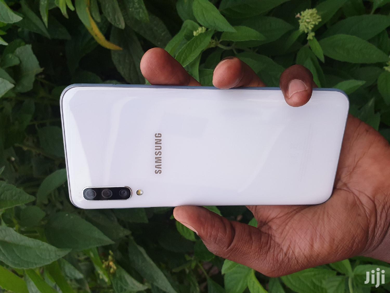 Archive: Samsung Galaxy A50 128 GB White