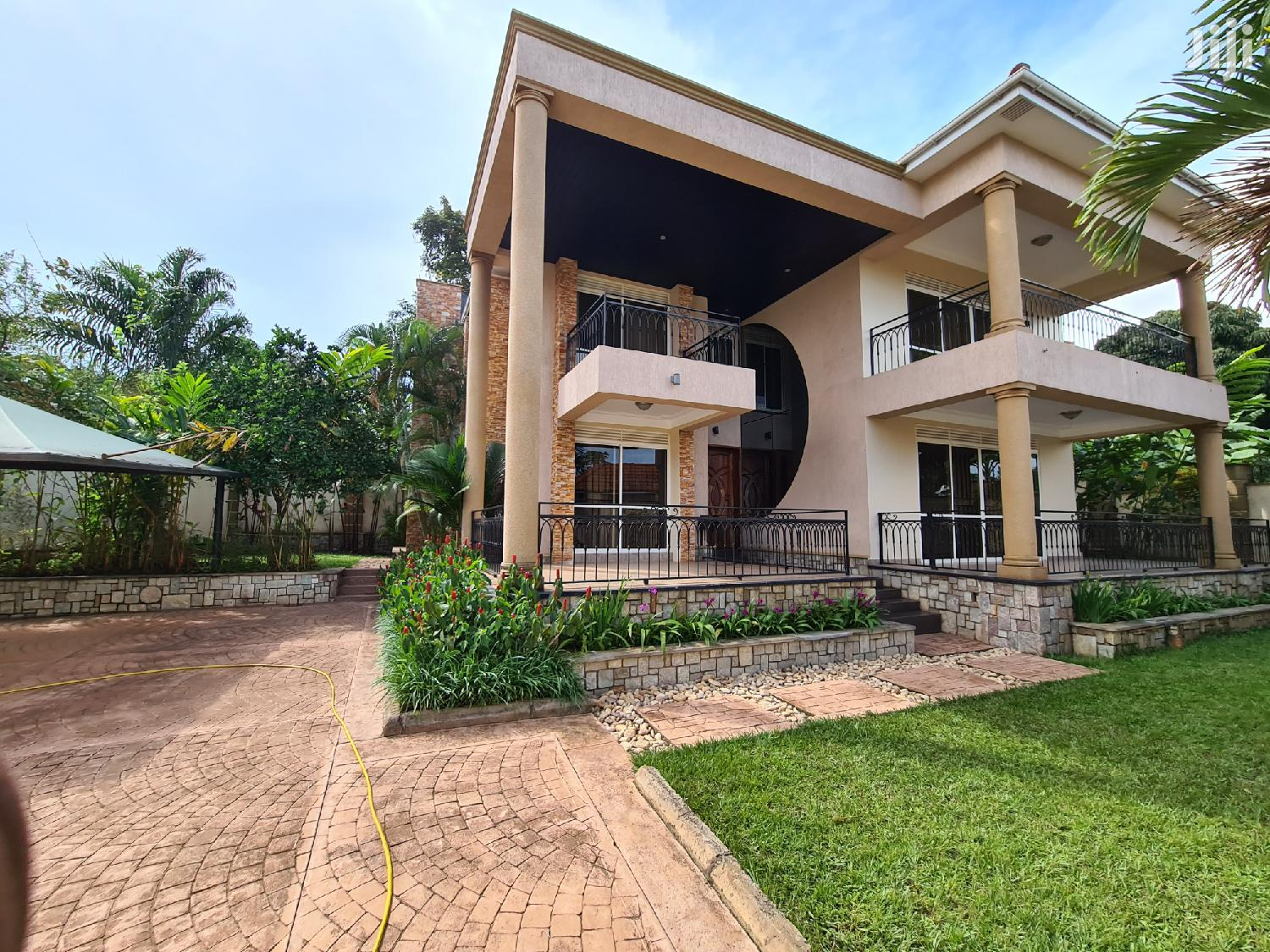 Clandestine Fully Furnished Munyonyo Mansion | Houses & Apartments For Rent for sale in Kampala, Central Region, Uganda