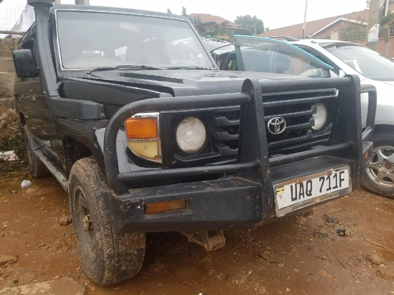 Archive: Toyota Land Cruiser 1999 Black