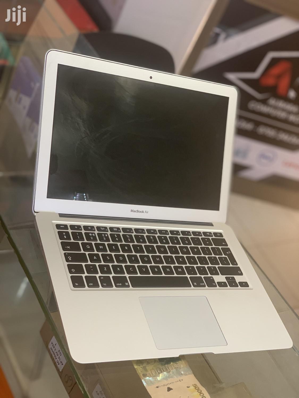 Laptop Apple MacBook Air 8GB Intel Core I5 SSHD (Hybrid) 128GB