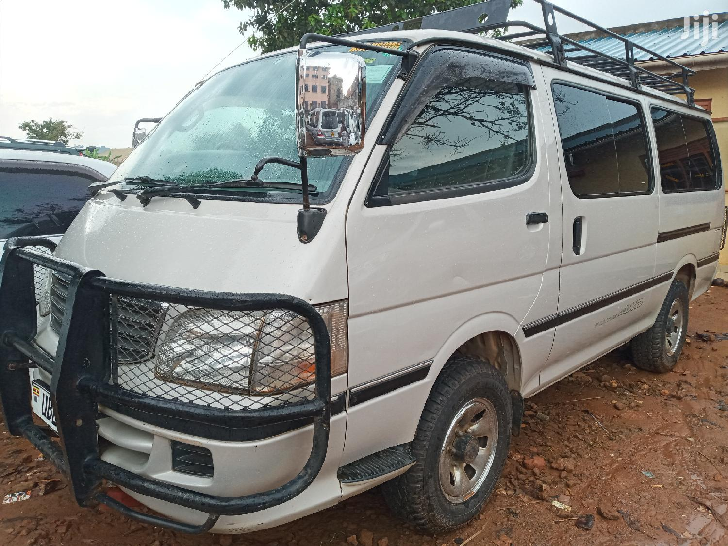 Archive: Toyota Hiace