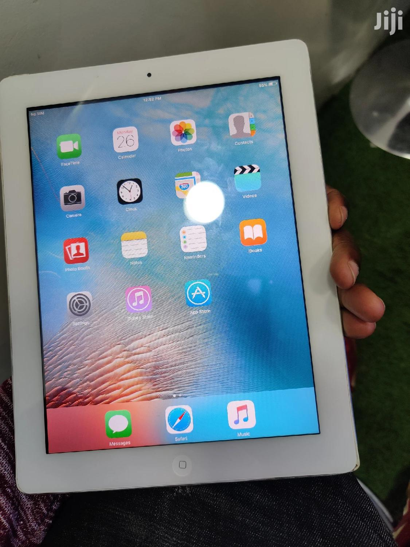 Apple iPad 2 CDMA 32 GB Gray