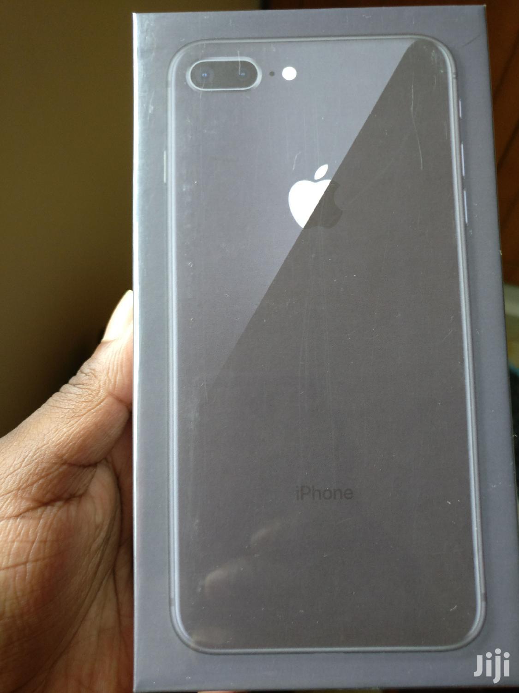 New Apple iPhone 8 Plus 64 GB Black