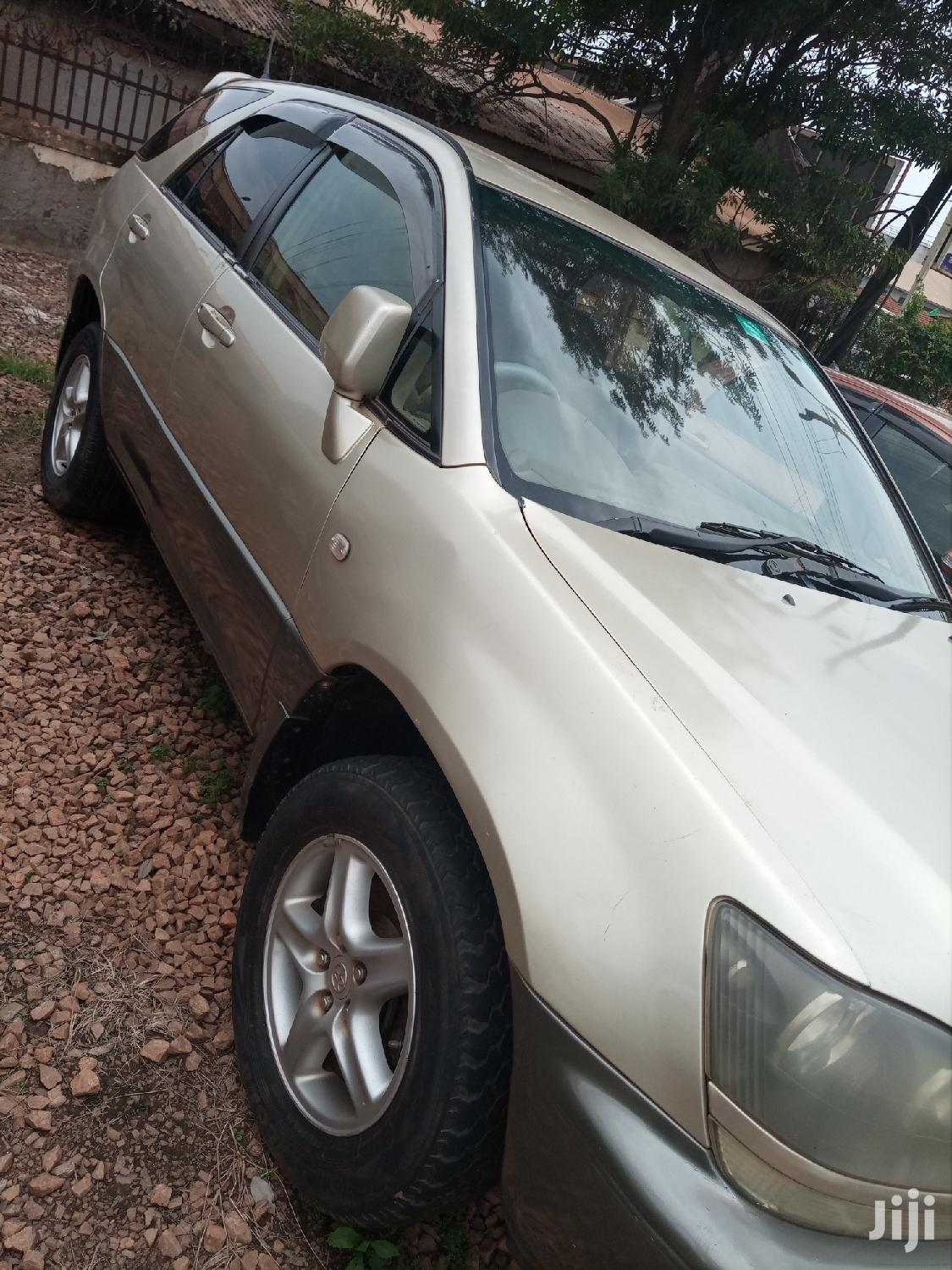 Toyota Harrier 2004 Gray