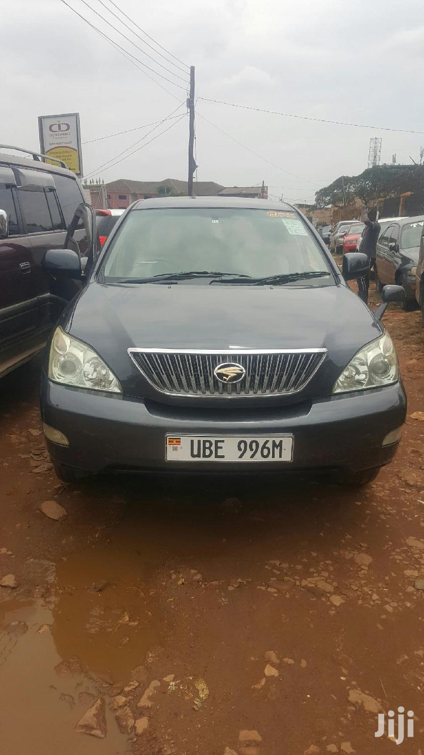 Archive: Toyota Harrier 2005 Black
