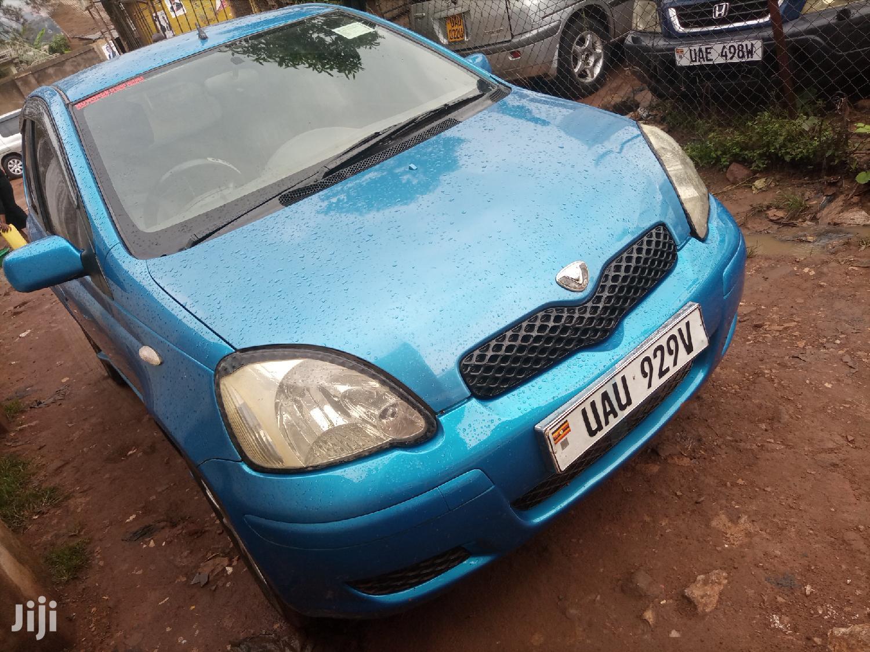 Toyota Vitz 2000 Blue