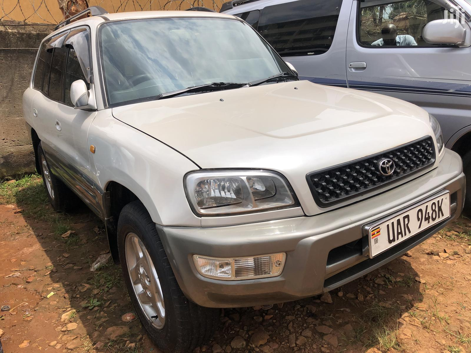 Toyota RAV4 1999 Base FWD White