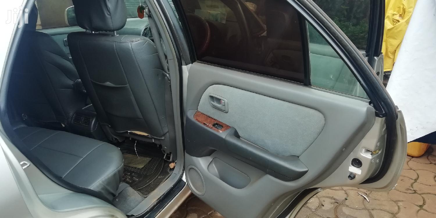 Archive: Toyota Harrier 2000 Gray