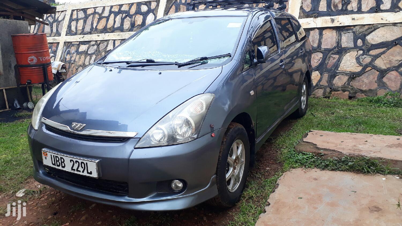 Toyota Wish 2004 Gray