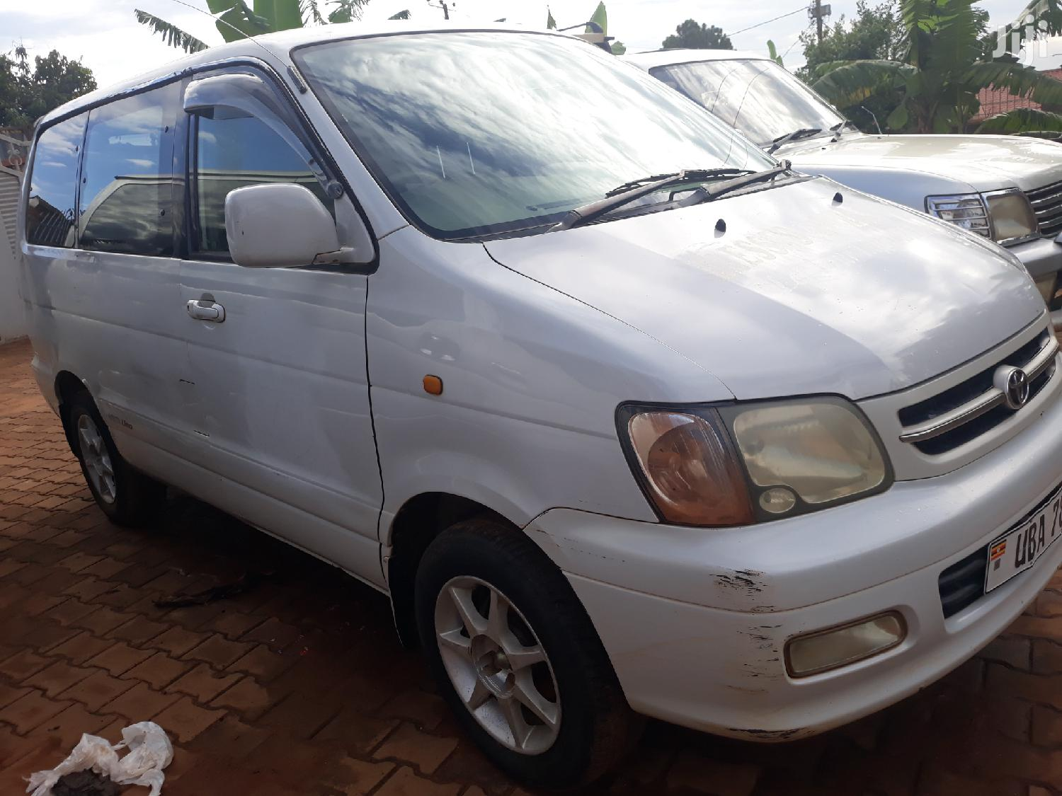 Archive: Toyota TownAce 1999 White