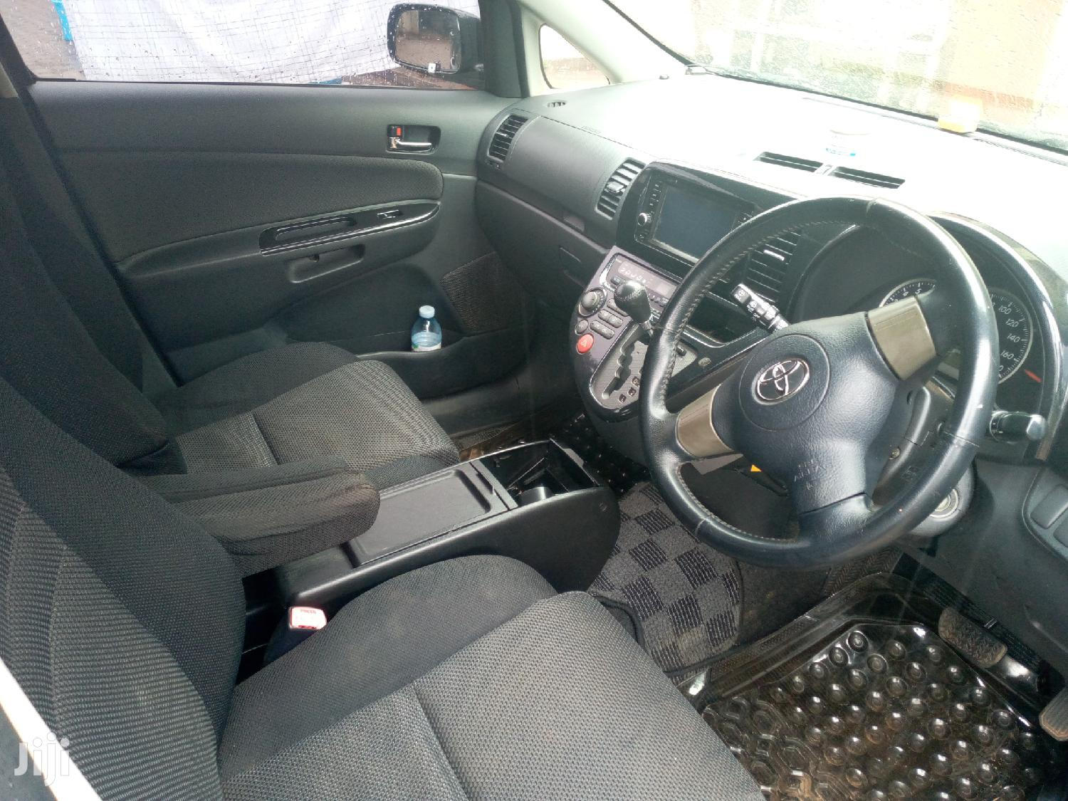 Archive: Toyota Wish 2006 Gray