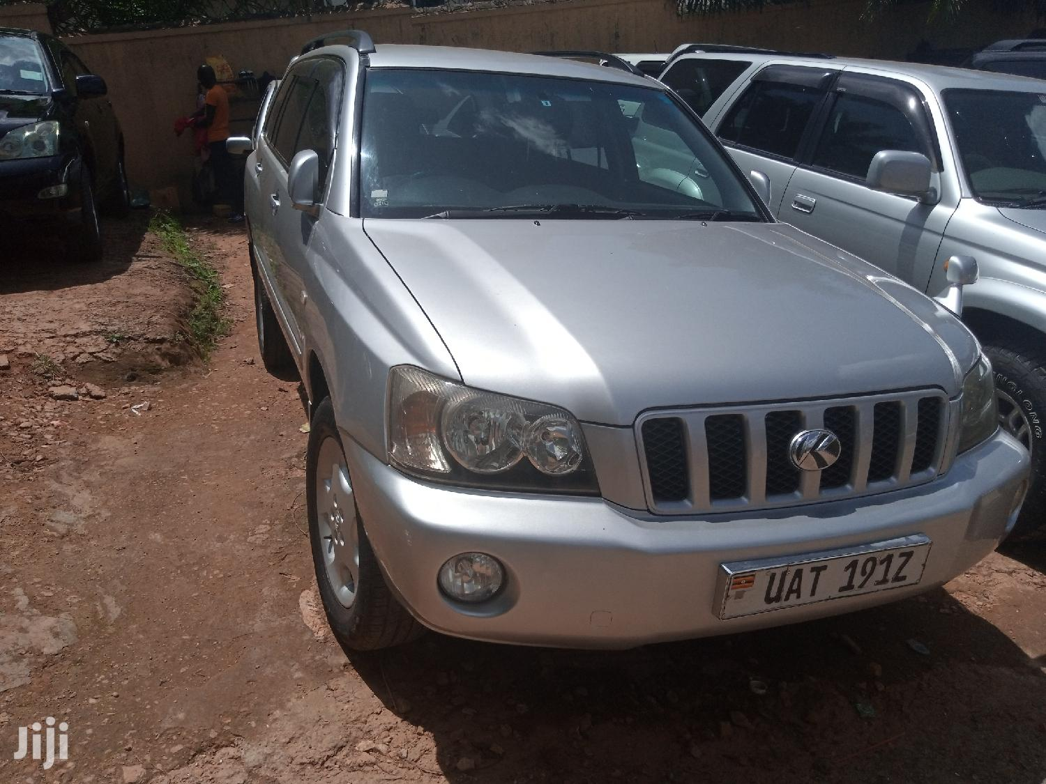 Archive: Toyota Kluger 2000 Silver