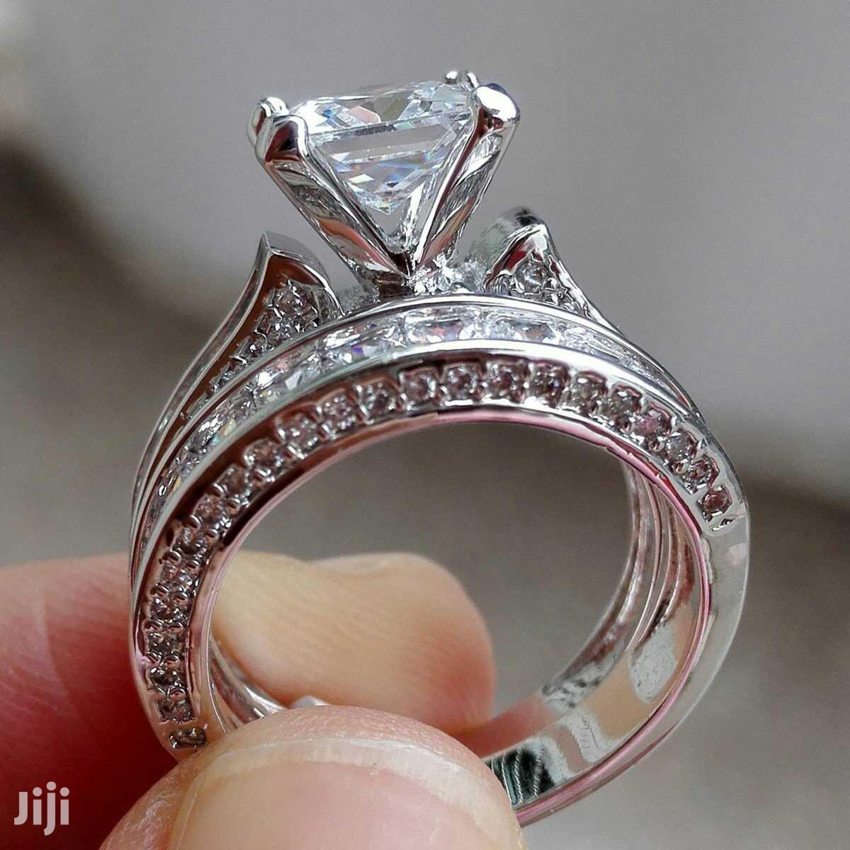 Silver Diamond Engagement Rings