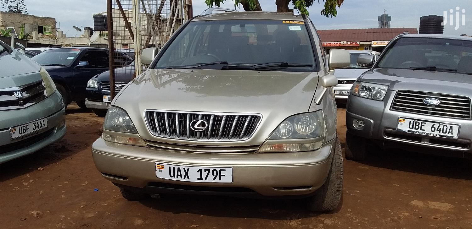 Archive: Toyota Harrier 1998 Gold