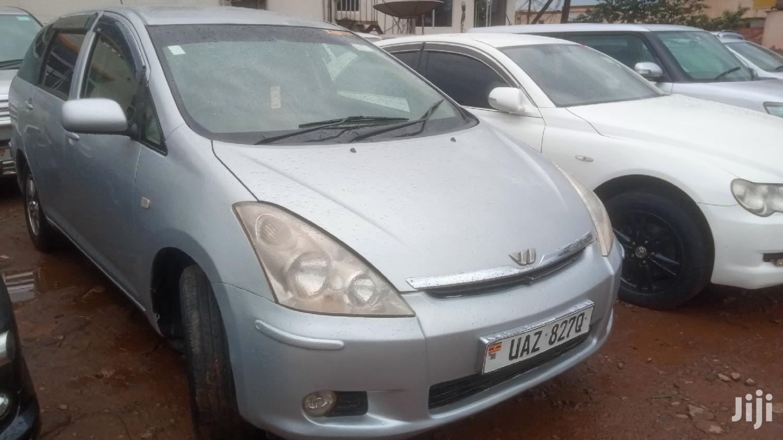 Archive: Toyota Wish 2002 Gray