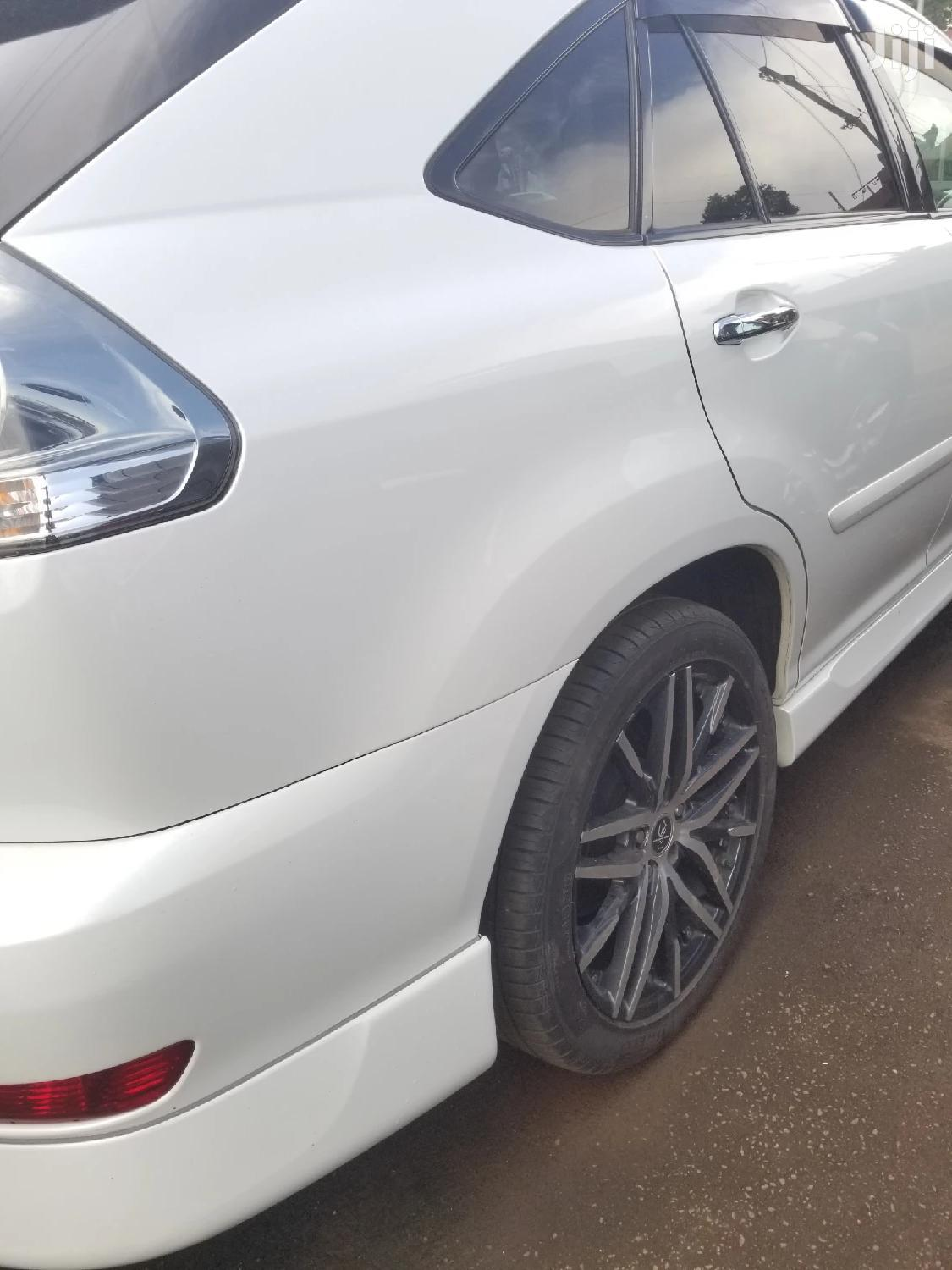 Archive: New Toyota Harrier 2009 White