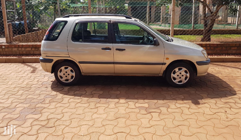 Archive: Toyota Raum 2000 Gold