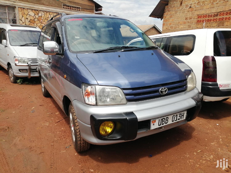 Toyota Noah 1998 Blue