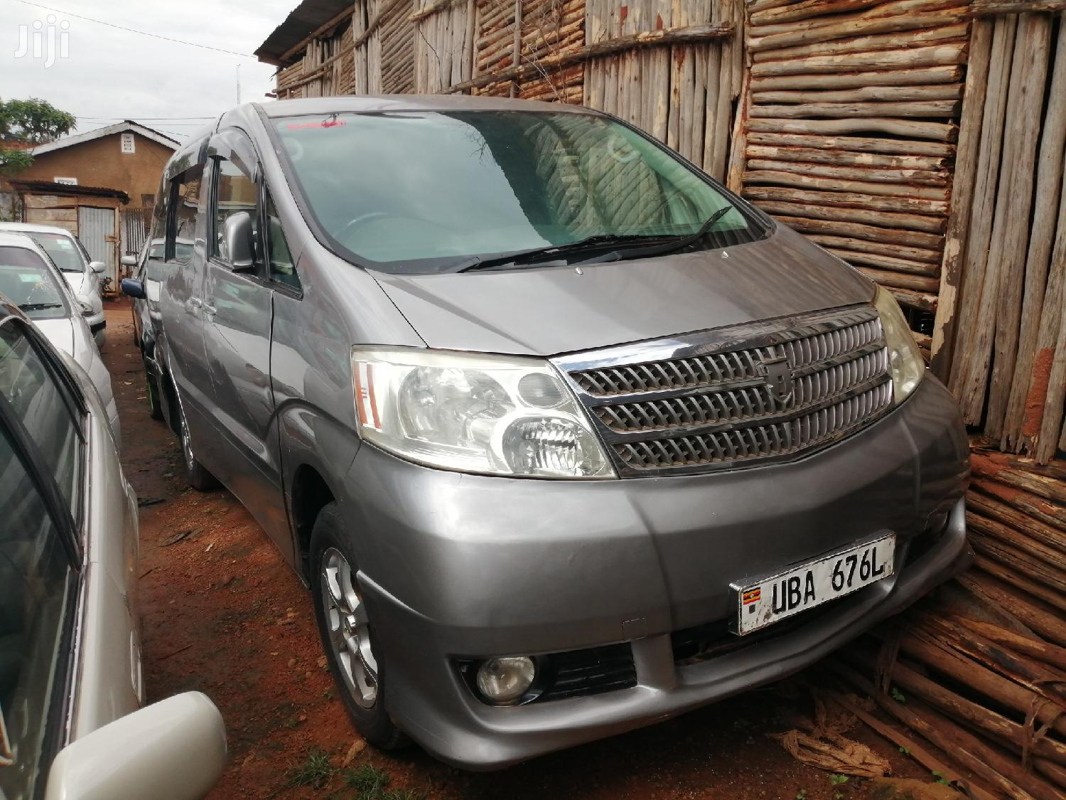 Toyota Alphard 2004 Silver | Cars for sale in Kampala, Central Region, Uganda