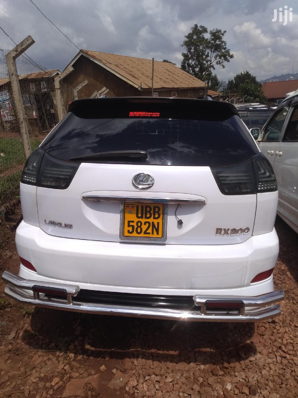 Toyota Harrier 2004 White   Cars for sale in Kampala, Central Region, Uganda