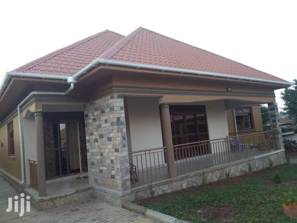 3 Bedroom House For Sale In Bwebajja | Houses & Apartments For Sale for sale in Kampala, Central Region, Uganda