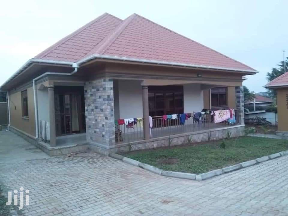3 Bedroom House For Sale In Bwebajja
