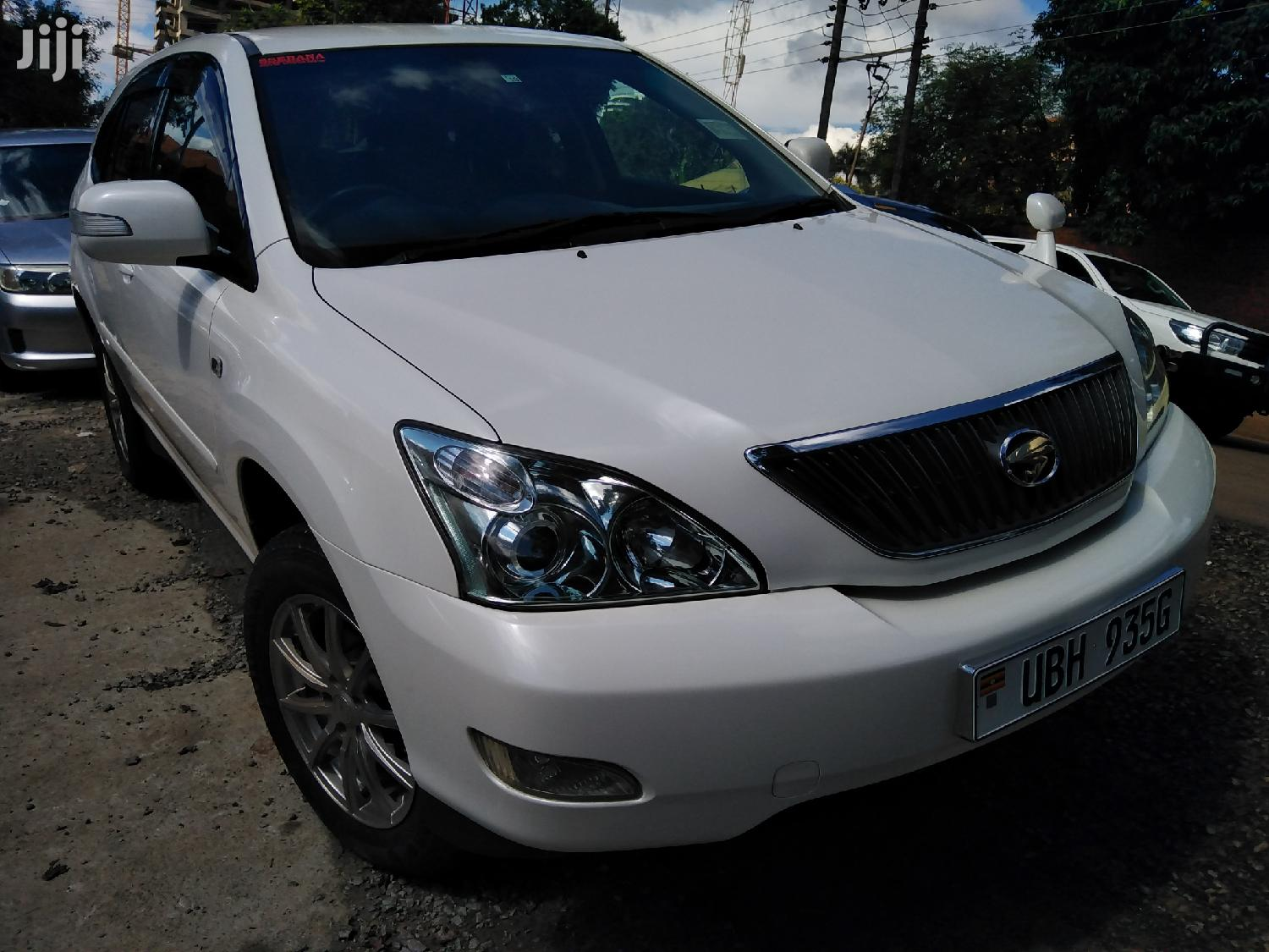 Archive: New Toyota Harrier 2006 White