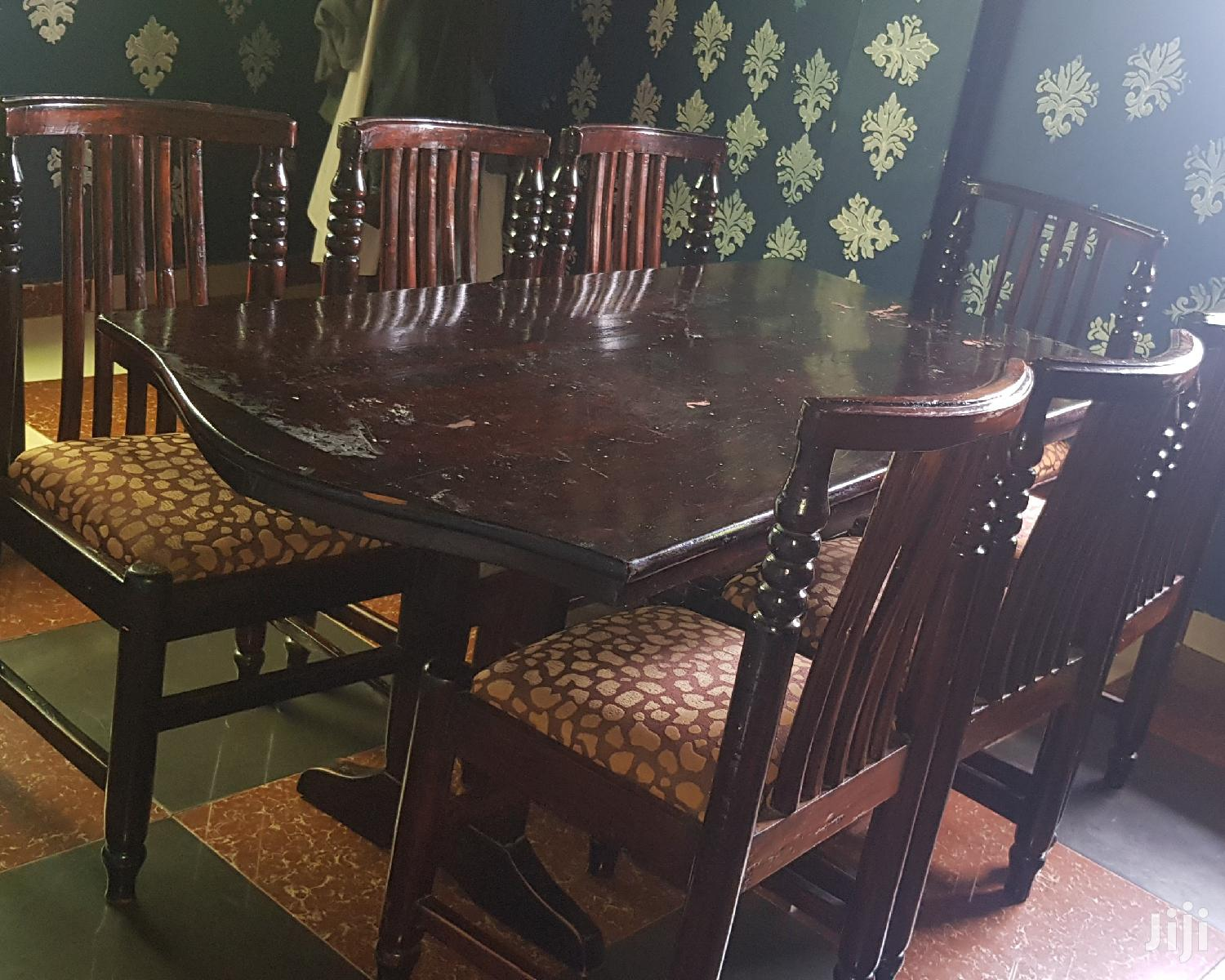 Quality 8 Seater Dining Table