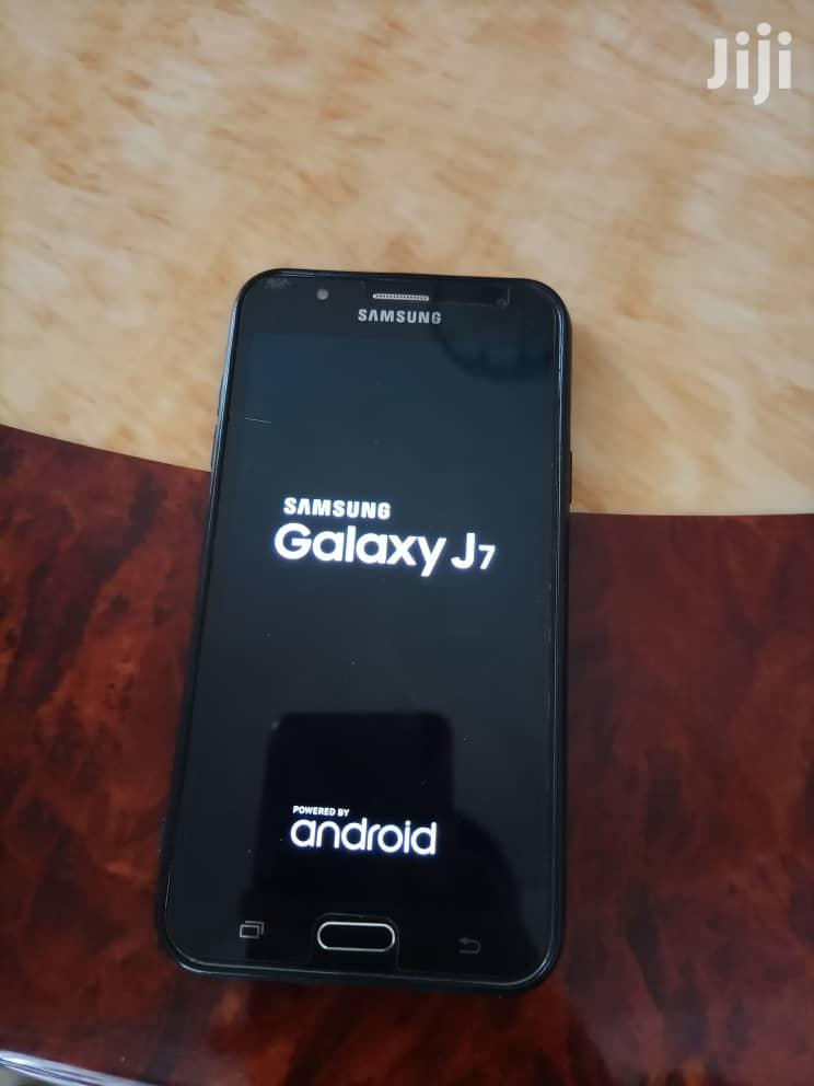 Archive: Samsung Galaxy J7 16 GB Black