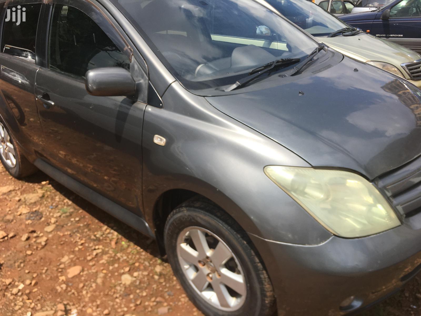 Toyota IST 2002 Gray