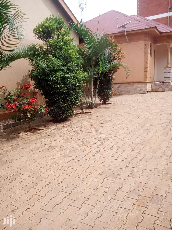 Bukoto Kisasi Road Double Rooms For Rent