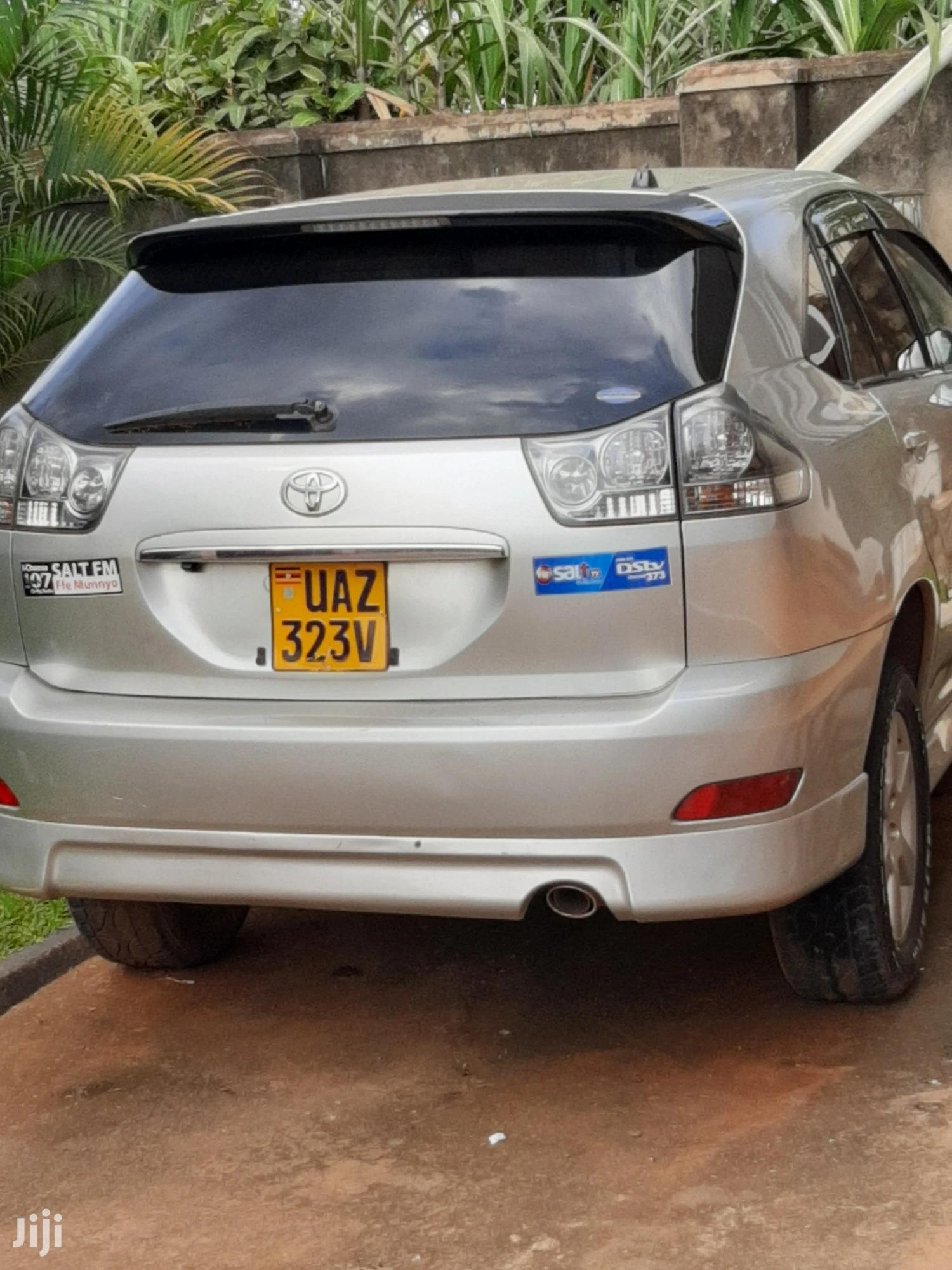 Archive: Toyota Harrier 2003 Silver