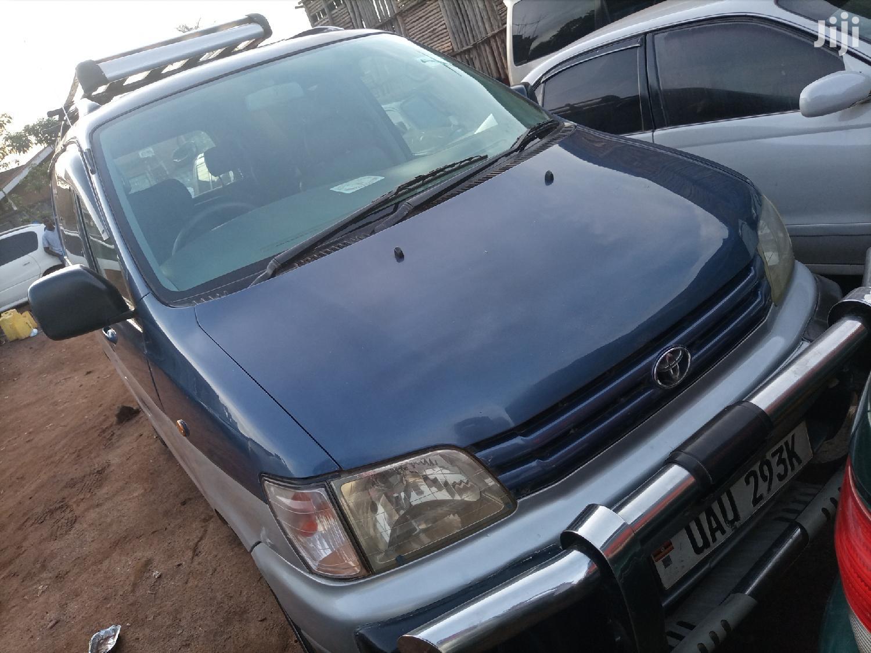 Toyota Noah 1997 Blue
