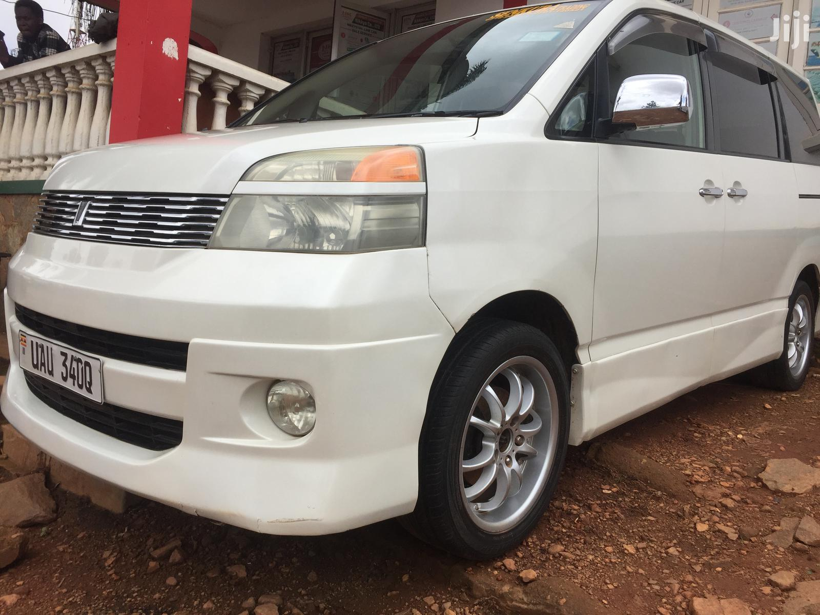 Toyota Voxy 2003 White | Cars for sale in Kampala, Central Region, Uganda