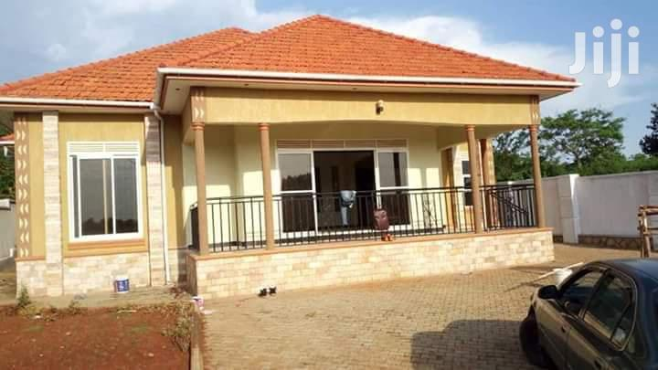 Archive: 4bedroomed Mansion On Sale In Kira At 370m