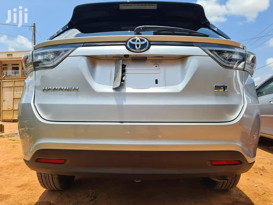 Archive: New Toyota Harrier 2013 Silver